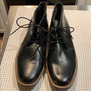 Men's 9.5 black ankle boots